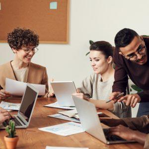 ¿Qué es la educación en línea corporativa?