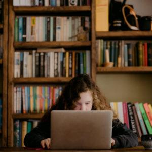 Crean plataforma para impartir cursos en Madrid